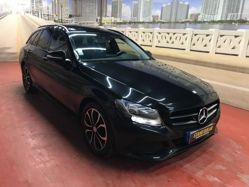 Mercedes C SW 220 CDI 170cv Avantgarde + Pack Night Nacional full
